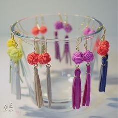 水引とタッセルのピアス Paper Earrings, Diy Earrings, Leather Earrings, Earrings Handmade, Paracord, Decorative Knots, Diy Butterfly, Towel Crafts, Unusual Jewelry
