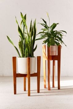 Knock Down Plant Stand   Urban Outfitters