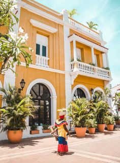 Cartagena, Colombia's enchanting Caribbean burst of culture 2019 A guide to Cartagena, Colombia Trip To Colombia, Colombia Travel, Backpacking Europe, Europe Travel Tips, Travel Guides, Europe Packing, Traveling Europe, Packing Lists, Travel Tips