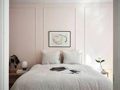 A powder bedroom peeking through
