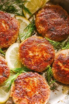 Salmon Patties made with just a handful of ingredients. A delicious low carb dinner idea that makes tender salmon patties with a delicious golden crust. Salmon And Shrimp, Frozen Salmon, Pesto Salmon, Salmon Pasta, Salmon Recipes, Fish Recipes, Seafood Recipes, Cooking Recipes, Appetizer Recipes