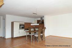 Wohnküche mit Einbauküche und Eßplatz