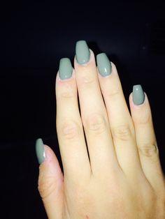 Green coffin short nails