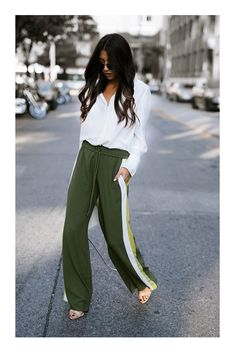 Fall and Winter 2017 Fashion Style Outfit Ideas Street style Sneakers Fashion Outfits, Mode Outfits, Stylish Outfits, Fashion Weeks, Fashion Tips, Fashion Trends, Fashion Fashion, Fashion Black, Fashion Bloggers