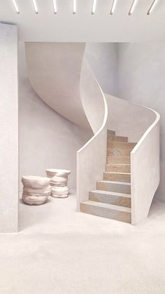 Home Decor Cozy Andrea Tognon Jil Sander Frankfurt.Home Decor Cozy Andrea Tognon Jil Sander Frankfurt Architecture Design, Minimalist Architecture, Minimalist Interior, Minimalist Home, Concrete Architecture, Interior Design Inspiration, Home Interior Design, Staircase Design Modern, Interior Minimalista