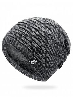 No One Should Live in A Closet Unisex Fashion Knitted Hat Luxury Hip-Hop Cap