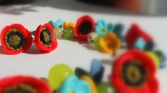 In my field are polymer flowers, a bracelet prepared for summer with poppies and agata stones.
