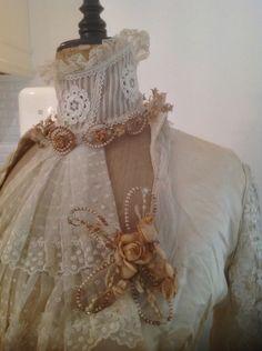 Très ancienne couronne de mariée et bouquet pour corsage assorti Wax Flowers, Bridal Tiara, Corsage, French Vintage, Marie, Bouquet, Victorian, Dresses, Fashion