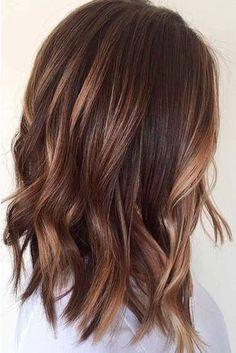 Nouvelle Tendance Coiffures Pour Femme 2017 / 2018 24 styles de cheveux de longueur moyenne et courtes Les styles de cheveux de longueur moyenne sont considérées