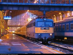 RailPictures.Net Photo: V43 1100 Hungarian State Railways (MÁV) V43 at Budapest, Hungary by Dulevoz