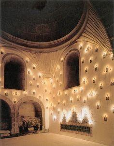 Instalación de Cristhian Boltansky 1995. Iglesia de San Domingos de Bonaval, Santiago de Compostela