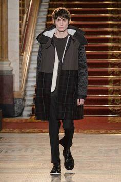 Pringle of Scotland Fall/Winter 2016/17 - London Collections: MEN - Male Fashion Trends