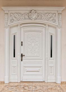 Drzwi zewnętrzne drewniane, Drzwi wewnętrzne drewniane, drzwi stylowe, drzwi rzeźbione, schody stylowe, meble na zamówienie