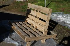 Pallet chair tutorial. Perfect for around the firepit!