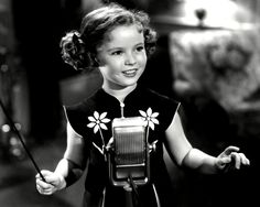 Baby Has Taken Her Last Bow. The Life of Shirley Temple Black As Told Through 85 Photos. Hollywood Stars, Classic Hollywood, Old Hollywood, Santa Monica, Shirley Temple, Temple Movie, Bright Eyes, Models, True Stories
