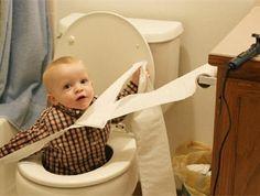 Jokainen äiti tietää sen hetken, kun lastenhuoneen hiljaisuus on jatkunut vähääään liian kauan.