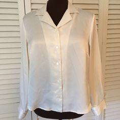 Cream colored Kasper Blouse  Wonderful button up blouse.  Even great under a Jacket.  Excellent condition. Kasper Tops Blouses