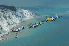 Aircraft Photos, Ww2 Aircraft, Fighter Aircraft, Fighter Jets, Military Jets, Military Aircraft, Aircraft Propeller, P51 Mustang, Ww2 Planes