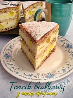 Russian Cakes, Russian Desserts, Sweet Desserts, Sweet Recipes, Cake Recipes, Biscuit Cupcakes, Hungarian Cake, Easy Cake Decorating, Polish Recipes