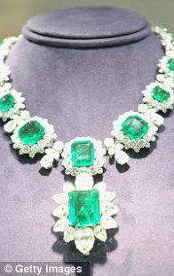 Bulgari Emerald necklace (Liz Taylor jewels)