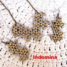 Triangle pattern Necklace & earrings in laser cut wood. https://www.etsy.com/shop/BenditaIndomina