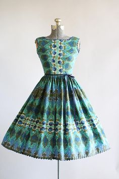 Vintage 1950s Blue and Turquoise Rose and Harlequin Print Dress XS/S
