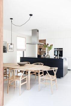 The best Dining Room Lighting Ideas – Top Trend – Decor – Life Style Dining Room Design, Interior Design Kitchen, Home Interior, Kitchen Dining, Kitchen Decor, Bar Kitchen, Kitchen Chairs, Ikea Kitchen, Kitchen Island