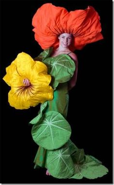Image Gallery of Jenny Gillies favorite costumes and fabric art creations Up Costumes, Halloween Costumes, Flower Headdress, Flower Costume, Creative Costumes, Giant Flowers, Fairy Dress, Beautiful Costumes, Fantasy Dress
