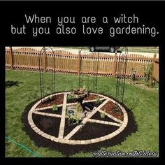 Not a witch/wiccan, but I actually quite like the style. Hedges, Garden Art, Garden Design, Moon Garden, Dream Garden, Witchy Garden, Pagan Witch, Witches, Practical Magic