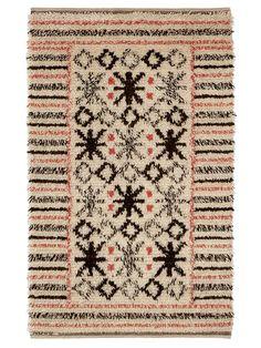 SVENSKULLSRYAN Designed by Märta Måås-Fjetterström in 1924 #MMF #MärtaMååsFjetterström #MartaMaas #Handwoven #Handmade #Knotted #Pile #Rya #Rug #Rugs #SwedishCarpets #SwedishDesign