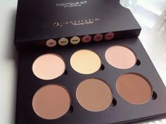 Heaven sent! Love this contour palette!