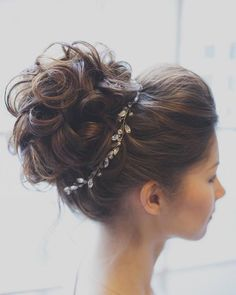 Tonya Pushkareva Long Wedding Hairstyle for Bridal via tonyastylist / http://www.himisspuff.com/long-wedding-hairstyle-ideas-from-tonya-pushkareva/14/