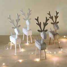 DIY Weihnachtsdeko und Bastelideen zu Weihnachten, skandinavische Deko, Rentiere aus Holz basteln