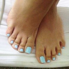 @piesdagabriela #pes #pés #pe #footmodel #foot #feet #footfetishnation #pezinhos #cutefeet #barefeet #instafeet #pezinhosdeprincesa #piedi #footjob #footporn #podolatria #podo #feetlove #feetlovers #footlover #footlove #barefoot #sexyfeet #perfectfeet #toes #dedos #pedicure #pies #prettyfeet #unhas