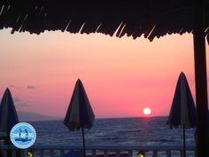 Die beste Reisezeit für Griechenland Surfboard, Opera House, Building, Travel, Europe, School Holidays, Holiday Destinations, Greece, Viajes