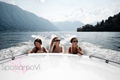 Boat tour for the Bride and her Bridesmaids - Best Italian Wedding - SposiamoVi Wedding Planners Lake Como Wedding, Destination Wedding, Boat Tours, Wedding Planners, Amalfi Coast, Tuscany, Elegant Wedding, Bridesmaids, Italy