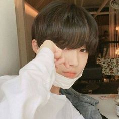 Ulzzang - Ulzzang boys - Page 2 - Wattpad Cute Asian Guys, Cute Korean Boys, Asian Boys, Cute Guys, Korean Boys Ulzzang, Ulzzang Couple, Ulzzang Boy, Korean Girl, Beautiful Boys