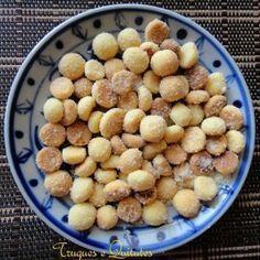 Areinhas biscoitinhos: Ingredientes 300g de farinha de trigo 6 colheres (sopa) de manteiga 100g de açúcar ...