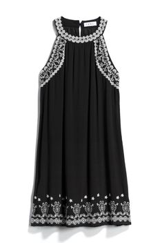 Love the black and white, this embroidery looks tasteful and I feel it makes the dress here