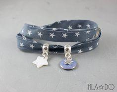 Bracelet en tissu gris foncé à étoiles blanches - Bijou minimal & moderne