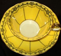 Aynsley ANTIQUE BLACK GARLAND LEMON Tea cup and saucer