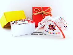 #ie #martisor #martie #tricolor #romania🇹🇩 #românia #🇷🇴 #primavara #madeinromania #martisortraditional #traditionalromanesc #martisoarehandmade #martisoare #1martie #autenticromanesc #fabricatinromania #fabricatinro #martisor2020 #martisordeosebit Martie, Manila, Gift Wrapping, Dolls, Gifts, Instagram, Atelier, Gift Wrapping Paper, Baby Dolls
