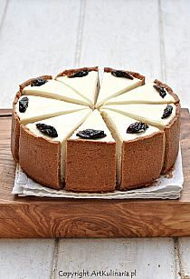 Gently plum cheesecake with cinnamon Cinnamon Cheesecake, Cheesecake Recipes, Cinnamon Desserts, Sweet Desserts, Just Desserts, Cheesecakes, Savarin, Sweet Tarts, Let Them Eat Cake