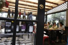 Wine ( Gary Friedman / Los Angeles Times / July 3, 2013 ) Barnyard, blocks from the beach in Venice, serves beer and wine.