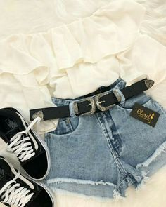 I dag er jeg så delikat 😌🍂 💰Cro . Girls Fashion Clothes, Teen Fashion Outfits, Look Fashion, Outfits For Teens, Womens Fashion, Cute Casual Outfits, Cute Summer Outfits, Surfergirl Style, Teenager Outfits