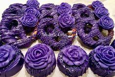 Chocolate Dipped Cookies, Chocolate Covered Treats, Dipped Oreos, Purple Desserts, Mini Desserts, Honeybun Cake Recipe, Decorated Marshmallows, Wonder Woman Cake, Cookies