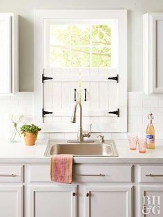 Give your kitchen that farmhouse feel with these adorable window shutters you can make in a weekend. house window shutters Make These Adorable Farmhouse Kitchen Window Shutters Kitchen Shutters, Diy Shutters, Farmhouse Shutters, Kitchen Window Decor, Indoor Window Shutters, Diy Interior Window Shutters, Farmhouse Windows, Window Blinds, Room Window