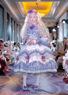 妖精をテーマにした美しいドレスにうっとり 令和最初の「Angelic Pretty」最新コレクション完全レポート (3/3) - ねとらぼ Harajuku Fashion, Lolita Fashion, Angelic Pretty, Fairy Dress, Bff Quotes, Pretty Dolls, Pretty And Cute, Fasion, Pretty Dresses