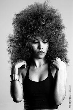 mulher, negra, cacheadas, crespas, curlyhair, raíz, respeito, auto estima