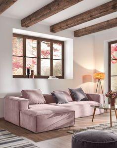 Deze nieuwe versie van bank Blok bekleed met roze corduroy heeft een opbouw van dennen en agglomeraat met twee lagen schuim. Dit bijgewerkte design voegt de brede Franse naad toe om het contour van de bank heen. #bank #hoekbank #loungebank #couch #sofa #corduroy #woonkamer #zithoek #living #interieurinspiratie #interiorinspiration #woonstyling Kave Home, Decor, Furniture, Chaise, Interior Inspiration, Dining Bench, Chaise Longue, Home, Home Decor